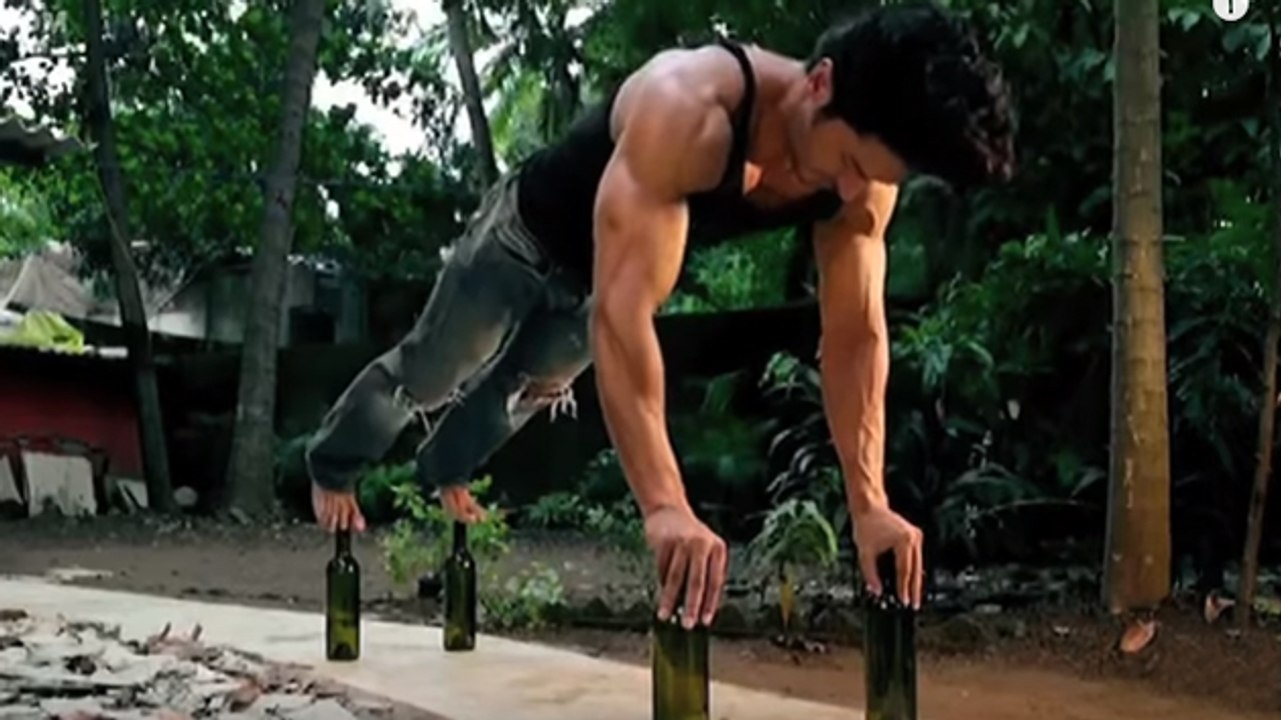 Vidyut Jamwal Workout - Push Ups